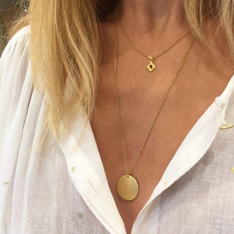 collier fin, collier médaille, collier médailllon, collier pendentif, collier plaqué or, Joy