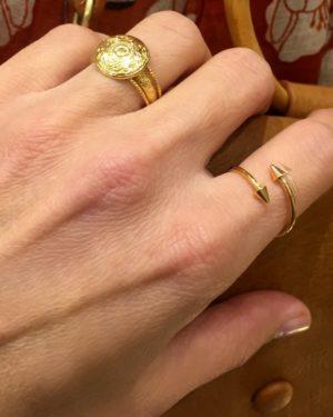 bague mila gravé pepite bijoux plaque or photo portée