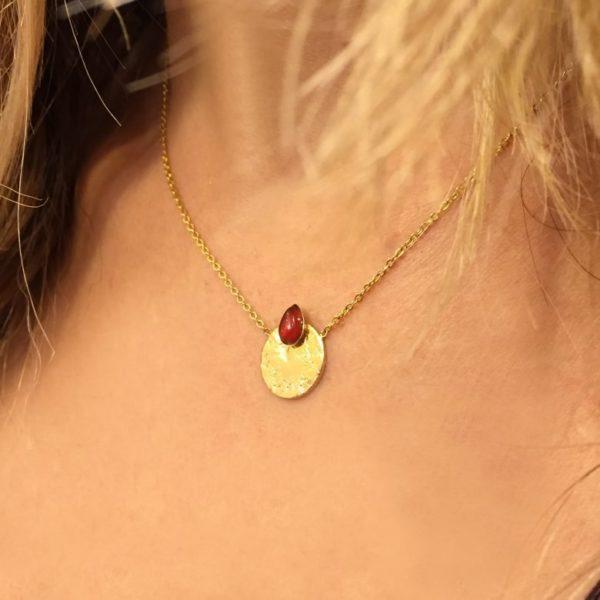 Margot,pépitebijoux,,collier, plaqué or,ade in paris, designer,photo portée