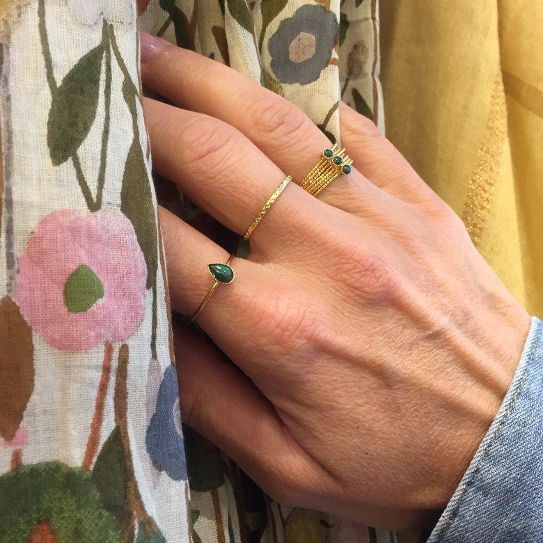 bague lina 7 anneaux,kecy,malachite,photo portée