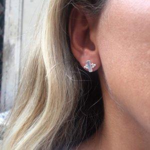 puces d'oreilles tess photo portée
