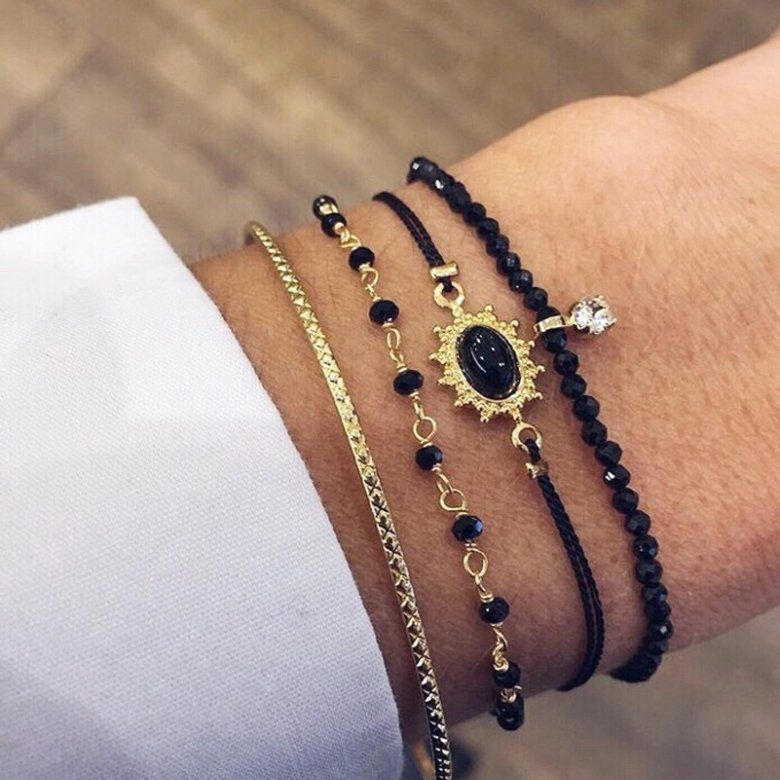 bracelet perle, bracelet perles, bracelet petites perles, bracelet swarovski, chaine avec perle, chaine de perle, chaîne perle, chaîne perlée, naya, spinelle, swarovski