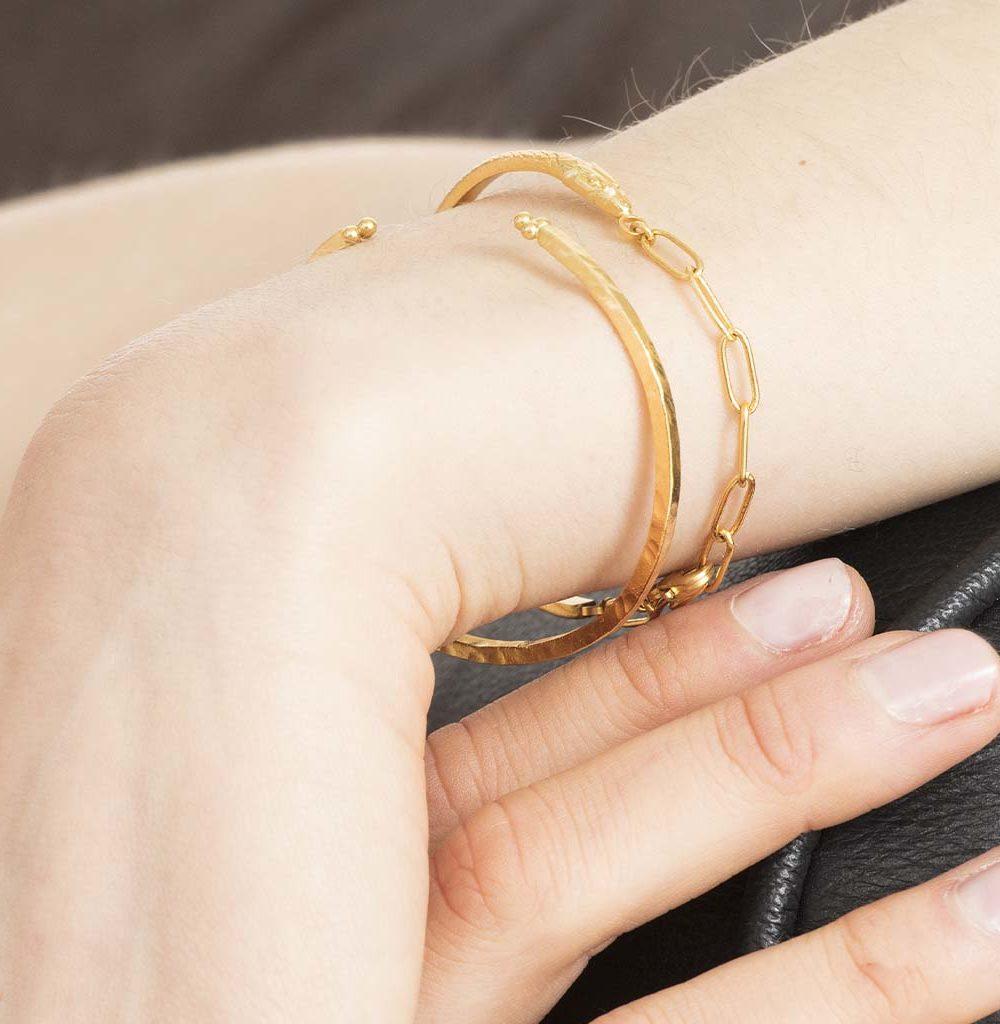 Bracelet serpent, bracelet demi-jonc, bracelet original plaqué or, bracelet demi-jonc plaqué or femme, bracelet tendance femme, créateur de bijoux fantaisie paris, site de bijoux fantaisie paris, bracelet cobra