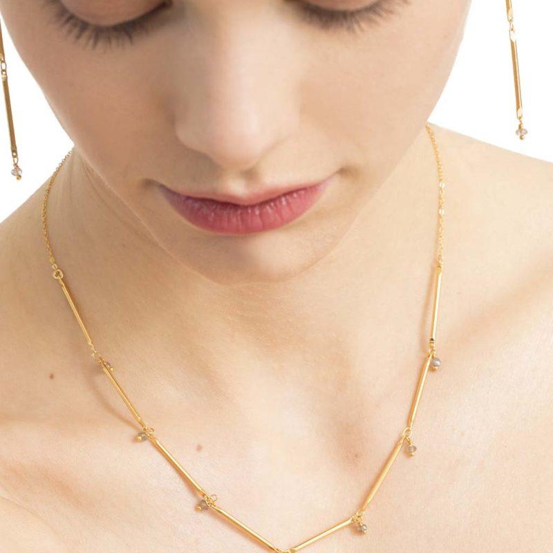 Collier multi-tiges orné de perles, collier tendance femme en plaqué or, collier tige, collier en pierre naturelle, bijoux fantaisie paris