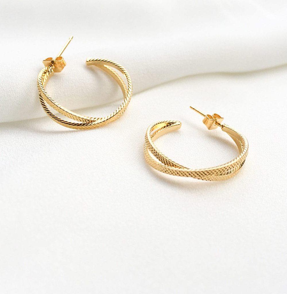 bijoux créateur, clara, créateur de bijoux fantaisie paris, créoles doubles anneaux, créoles doubles anneaux croisés, créoles femme, créoles plaqué or