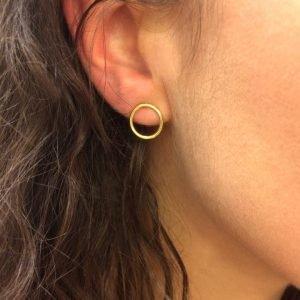 Puces anneaux mini photo porté Roxane